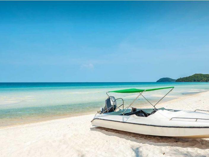 Suzy's Vietnam city and sea escape